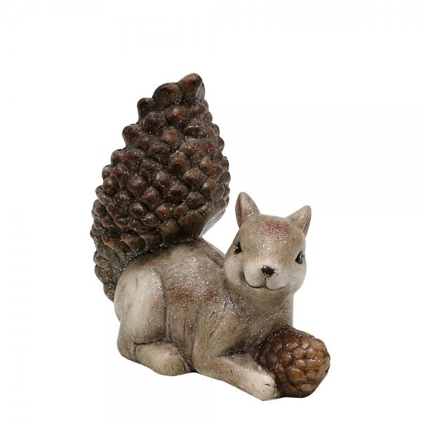 Keramik Eichhörnchen liegend mit Glitter und Zapfen 15 x 8 x 14,8 cm