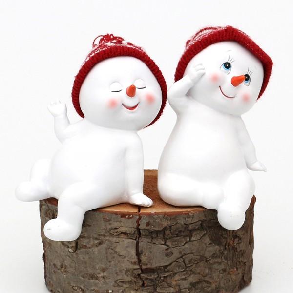 Polyresin Schneekinder mit Strickmütze rot/weiß Kantensitzer 2-fach sort. 9 x 8 x 13 cm im Set
