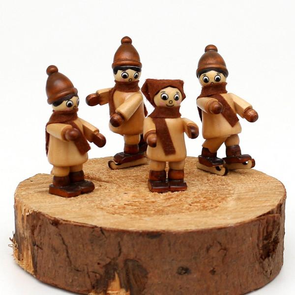 4er Set Holz Winterfiguren Winterspaß 2 2,5 x 2,5 x 5,5 cm