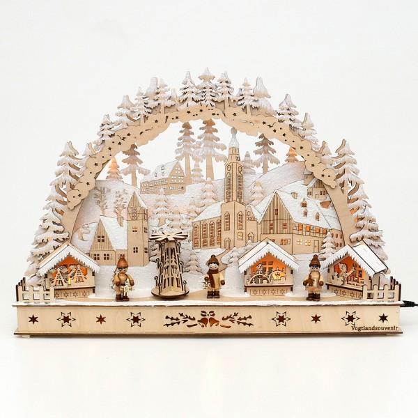 Holz Schwibbogen Weihnachtsmarkt verschneit mit bewegter Pyramide und Winter-Figuren (Laserholz) 50 x 11,5 x 34 cm Batteriebetrieb AA, inkl. Adapter 4,5 V, LED, Bewegung