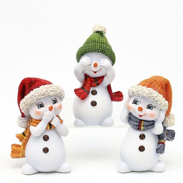 Polyresin Schneekinder nichts hören, sehen, sagen mit Mütze und Schal orange/grün/rot stehend 3-fach sort. 6,3 x 5 x 10,5 cm im Set