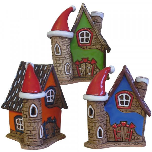 Keramik Räucherhaus mit Weihnachtsmütze 3-fach sort. 8 x 7,5 x 10 cm im Set