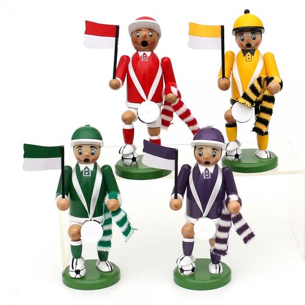 Holz Räuchermann Fußball-Fan mit Fahne, Schal & Trommel (rw,sg,grw,lw) 4-fach sort. 7 x 7 x 16 cm im Set