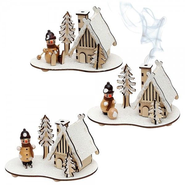 Holz Szene Räucherhaus verschneit mit natur Schneemannfiguren (Laserholz) 3-fach sort. 15 x 10 x 9 cm im Set